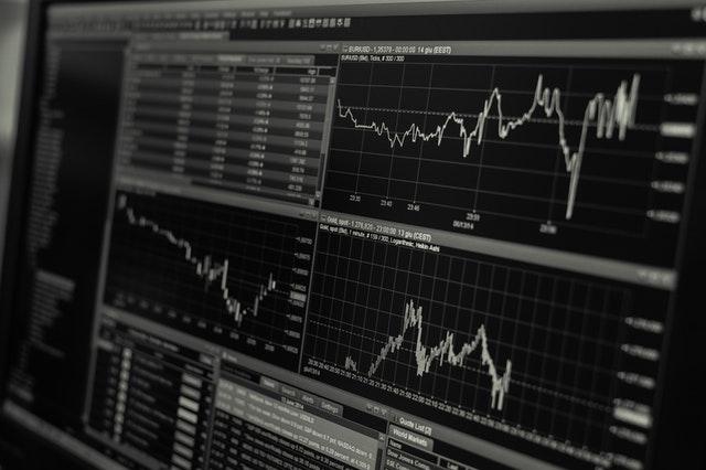 Ci sono molti broker online su internet, ma quali sono i migliori broker di azioni Forex in Italia?